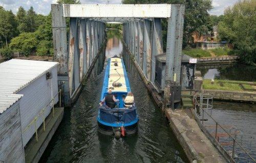 Бартонский поворотный акведук